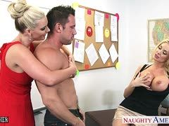 Phoenix Marie, Johnny Castle und Summer Brielle beim Triosex